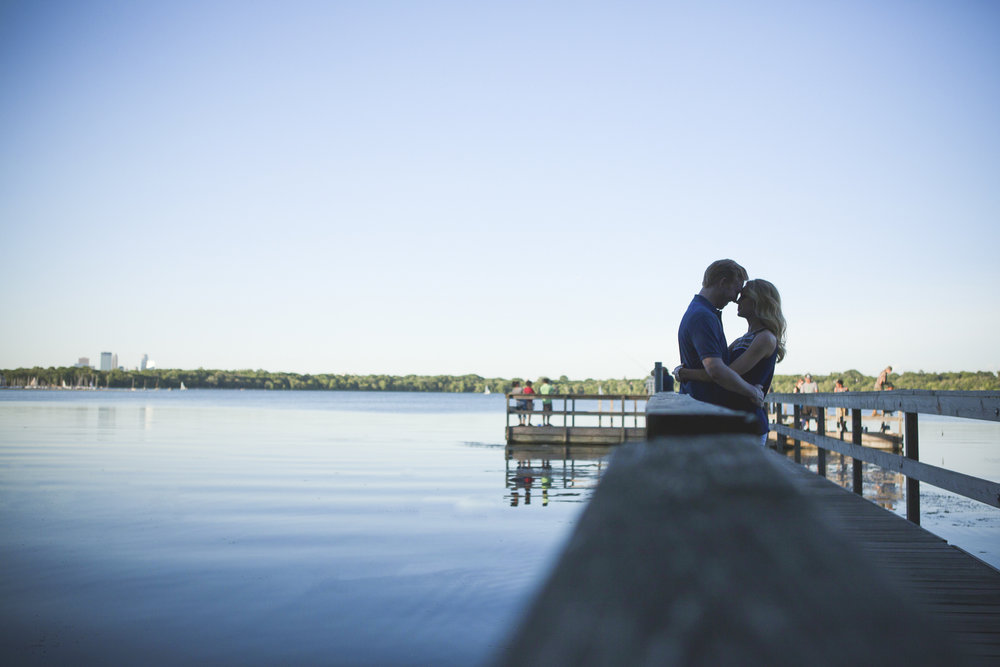 lake harriet minneapolis canoe engagement session-8.jpg