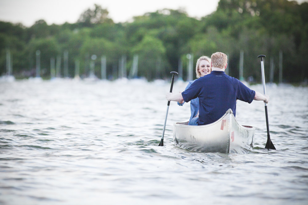 lake harriet minneapolis canoe engagement session-11.jpg