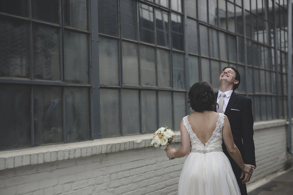 30 bauhaus brewery northeast minneapolis wedding photographer first look.jpg