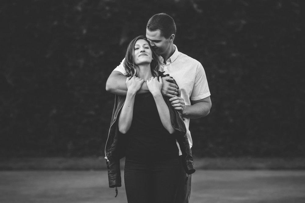 minneapolis black and white engagement session-20.jpg