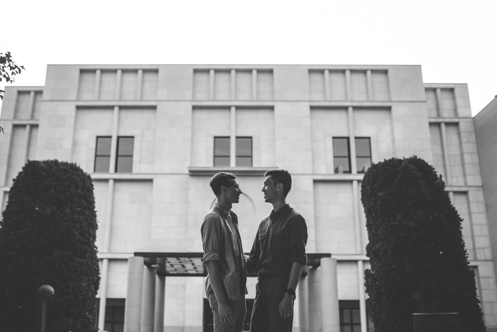 minneapolis same sex home neighborhood engagement session-44.jpg