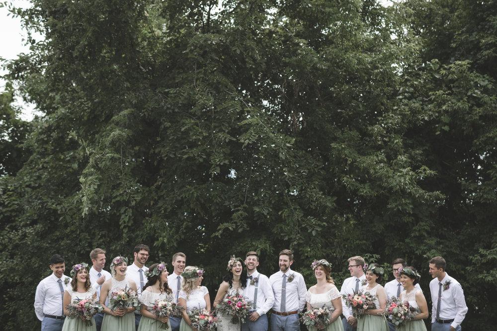 minneapolis backyard wedding photographer-20.jpg