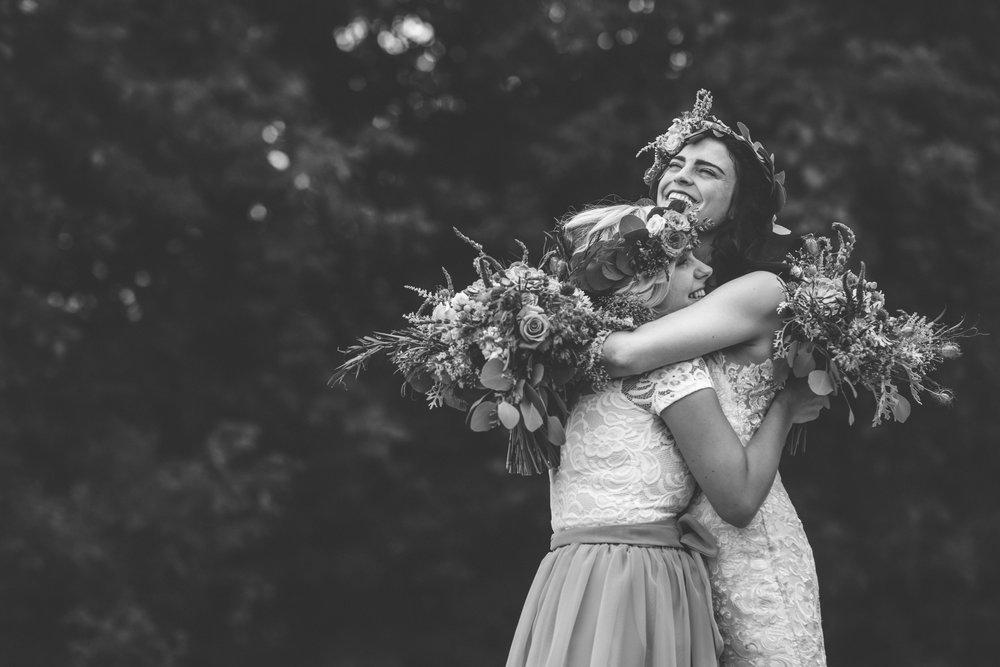 minneapolis backyard wedding photographer-22.jpg