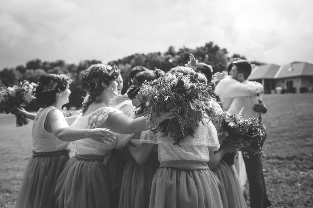minneapolis backyard wedding photographer-42.jpg