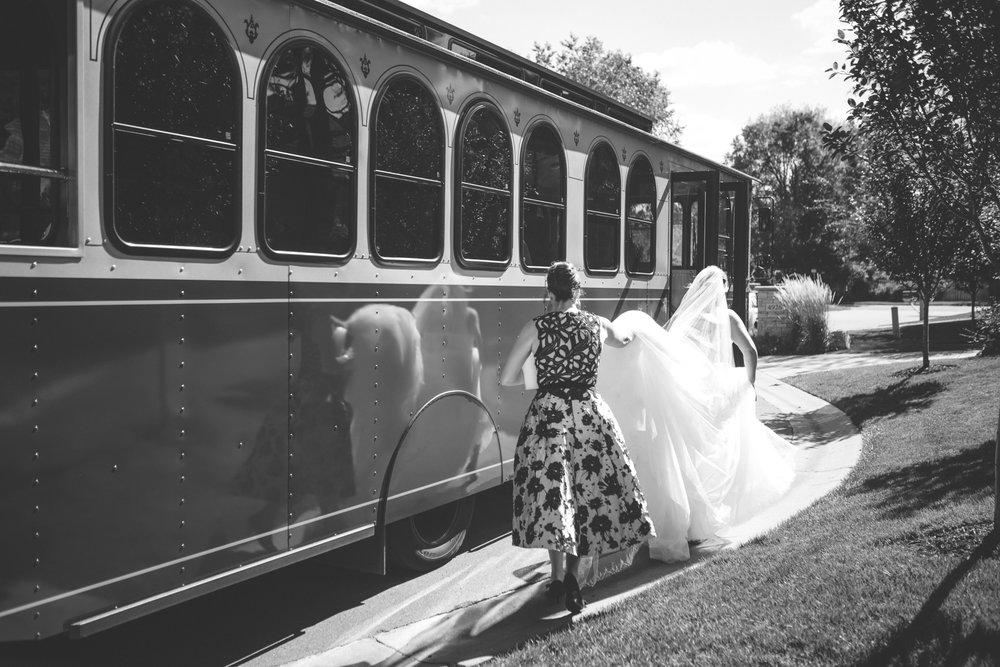 aria minneapolis wedding photographer-17.jpg