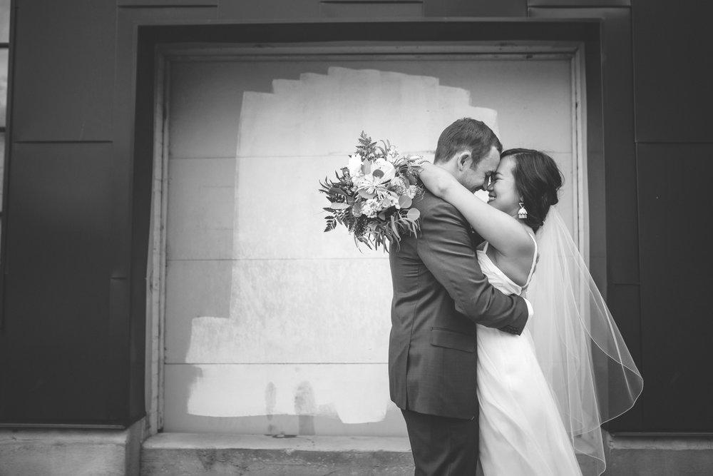 20-northeast minneapolis wedding photographer.jpg