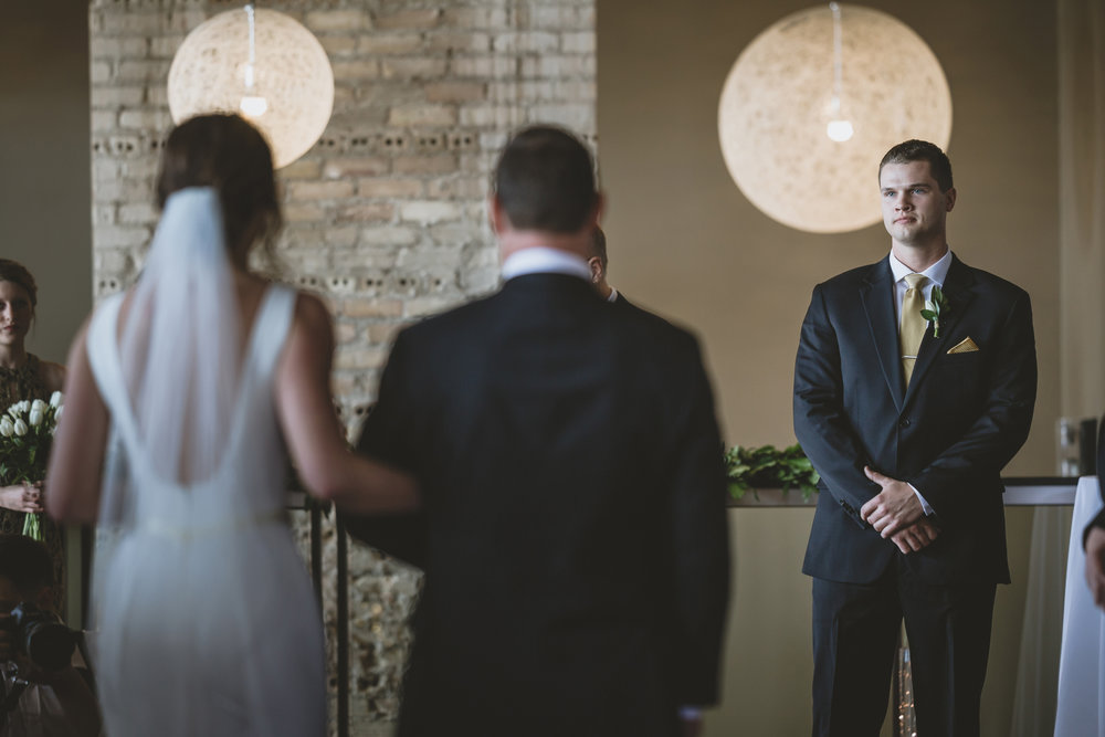 five event center uptown minneapolis wedding-40.jpg