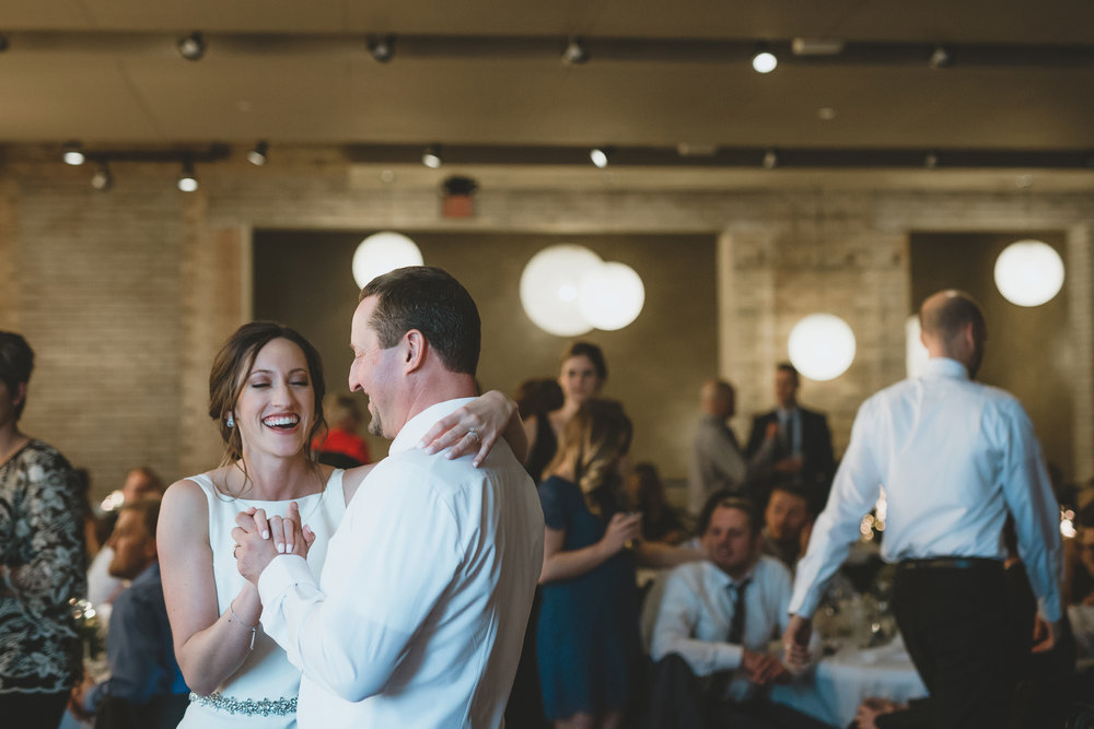 five event center uptown minneapolis wedding-76.jpg