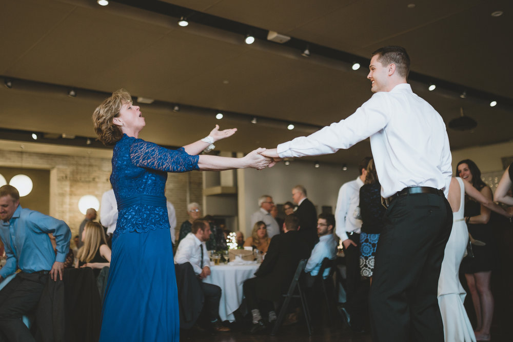 five event center uptown minneapolis wedding-77.jpg