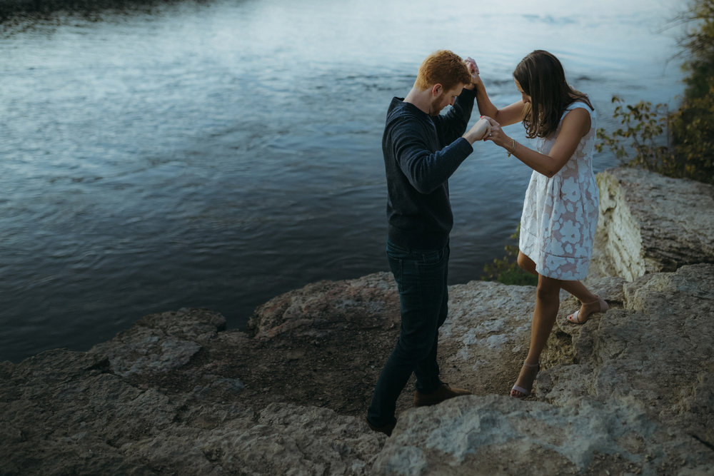 best minneapolis saint paul engagement photographers-10.jpg