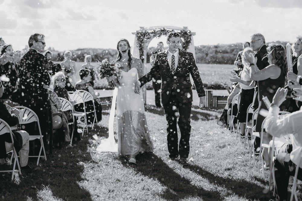 3-minnesota backyard farm documentary wedding photographers-1.jpg