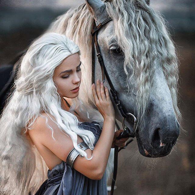 daenerys-fenix-fatalist-cosplay.jpg