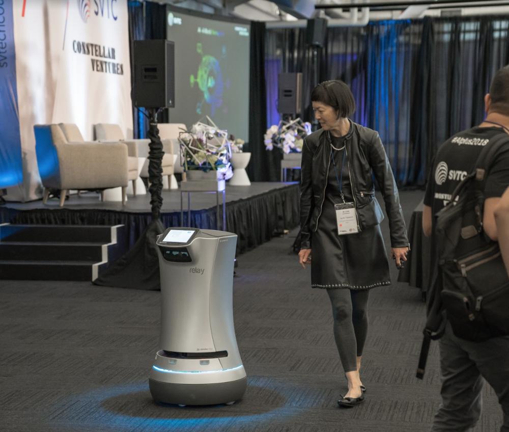 - Izumi Yaskawa with service robotCo-Founder& Business development, Savioke Inc.