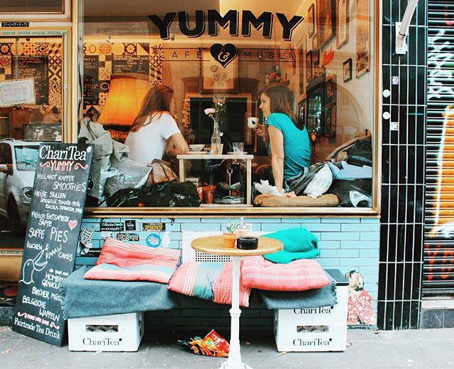 Perfect place to post up for Sunday Funday chats.. Cologne is teeming with cute cafes! #cologne #germany #cafes #coffeeaddict #cutecafes #coffee #tenzing #yummy #yummycologne #köln #travel