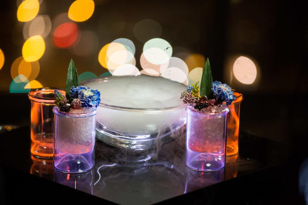 011_Apogee_Chicago_Cocktails_Dana_Hotel-1024x683.jpg