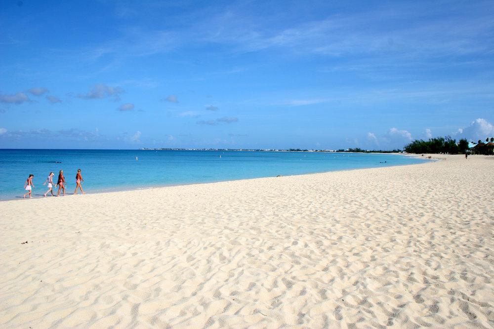ernesto, cayman islands 28 sept 06 002.jpg