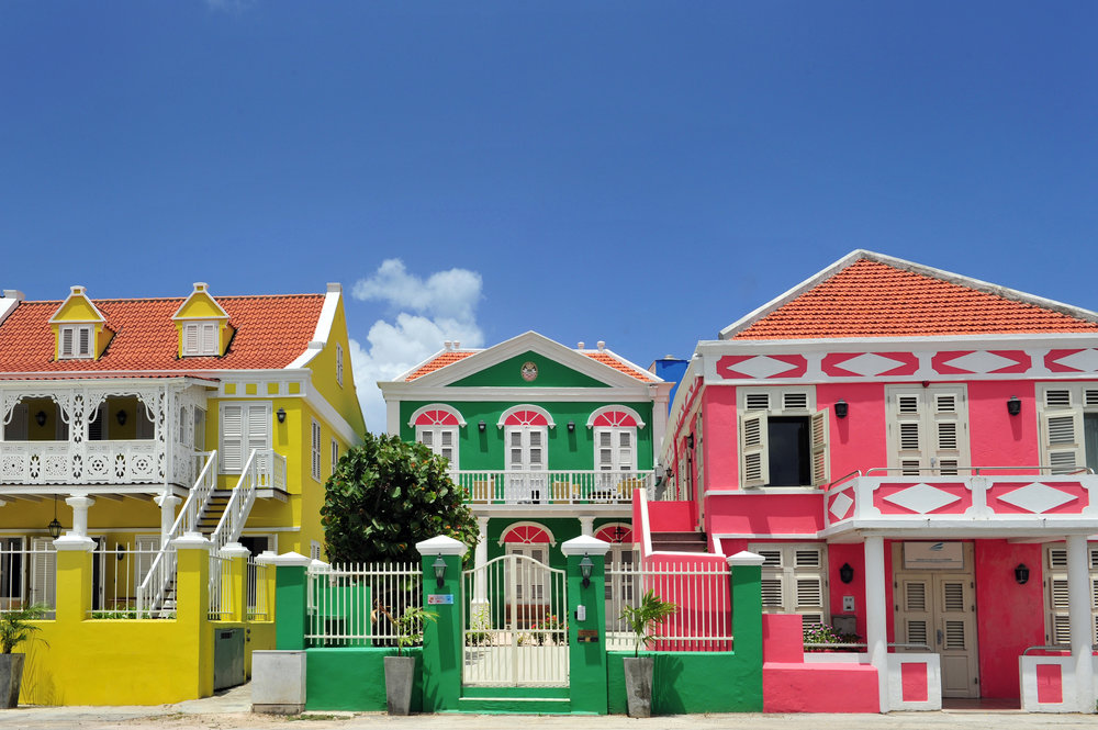 architecture_pietermaai_coloured_houses_curaçao  (01).jpg