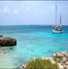 MALMOK BEACH      On the northern western side of Aruba, you'll find Malmok Beach... More