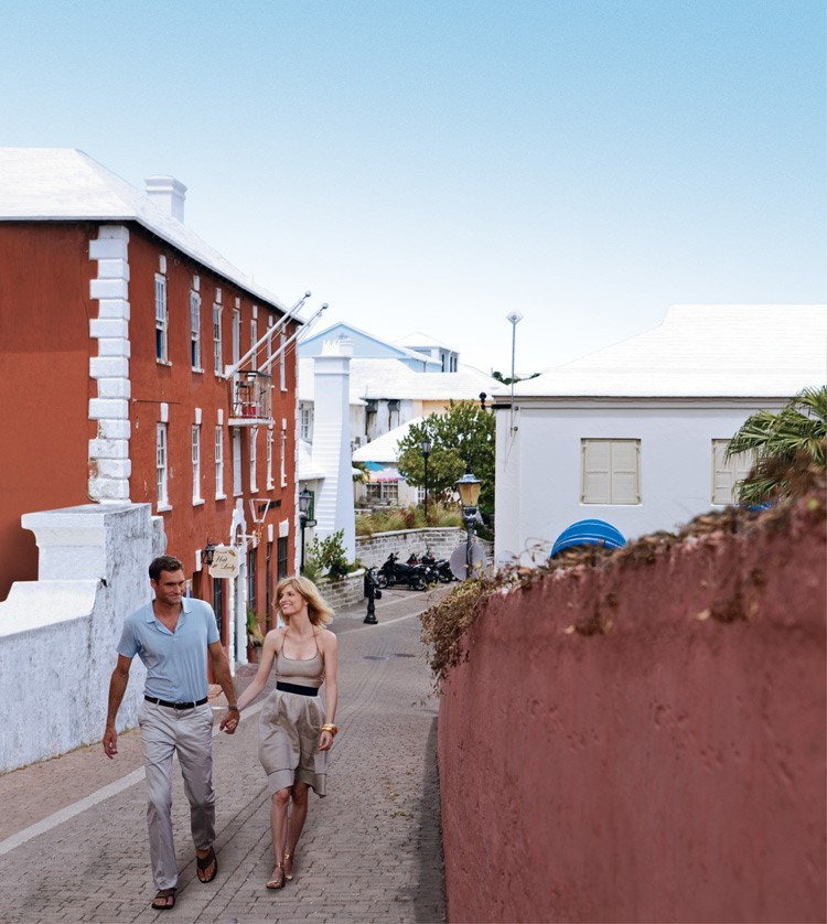 ST GEORGE'S TOWN    For a history-orientated exploration, back to where Bermuda became, head to St George's Island, where the island's first settlement was built in the early 1600s, by the shipwrecked survivors of the Sea Venture on its way to Jamestown.