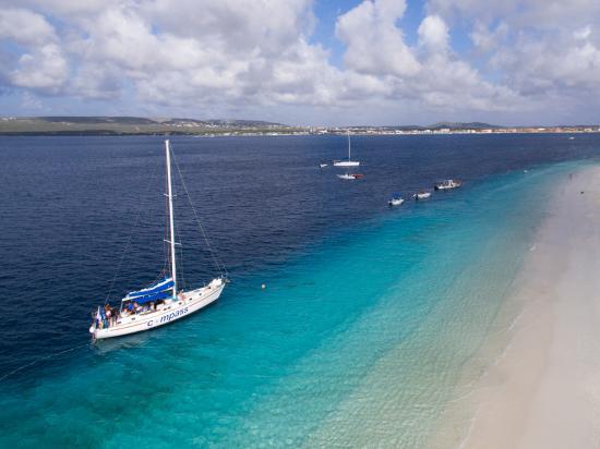 Bonaire-Sailing.jpg
