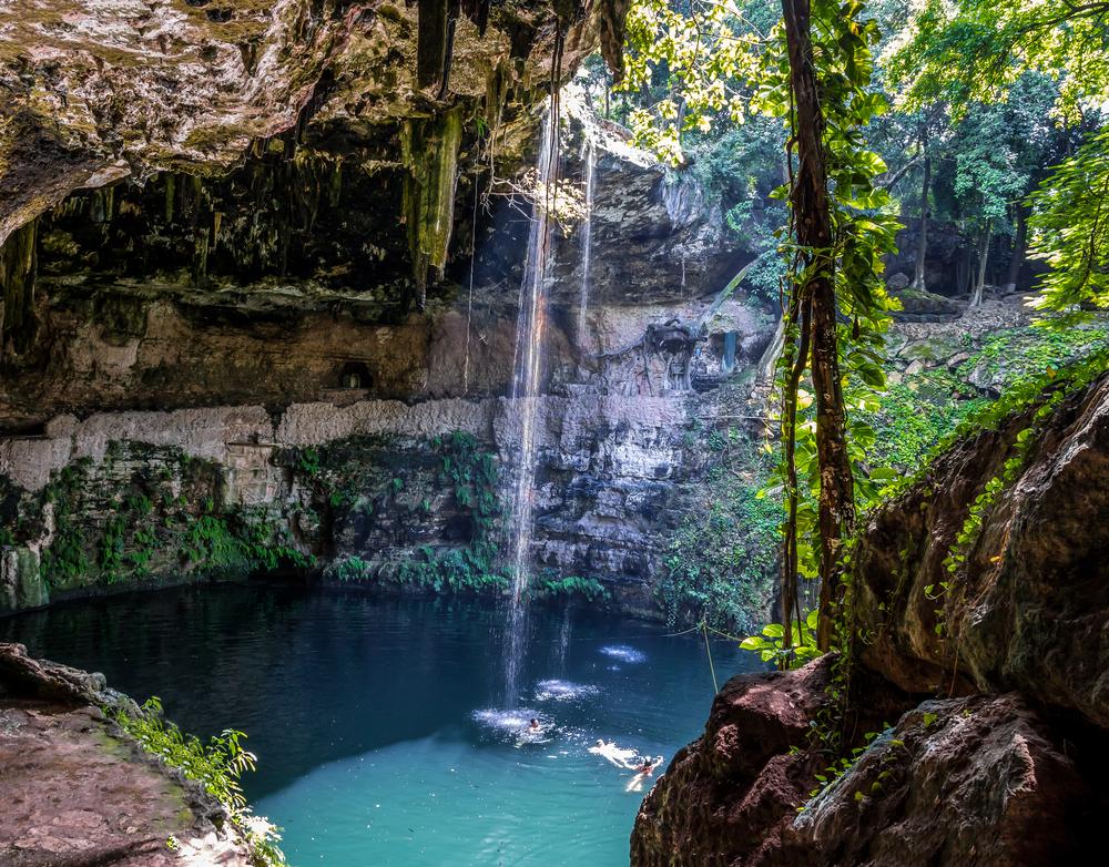 Cancun-Valladolid-Cenote-Zaci.jpg