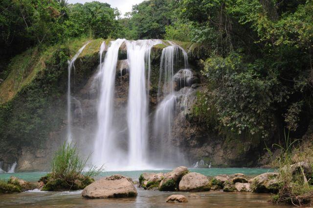 Haiti-saut-mathurin-waterfall.jpg