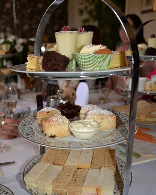 Why not join us at The Thomas Paine Hotel during half term for our great Afternoon Tea offer? 🍰 Enjoy our Standard Afternoon Tea for Two for just £20.00 - the first child eats free and every child after that is just half-price! 🙌 • • • #afternoontea #luxurydessert #cake #chanpagne #prosecco