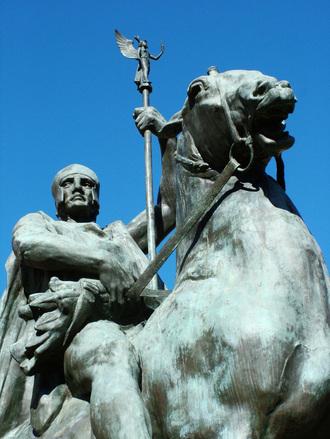 centurion-statue-1495677.jpg