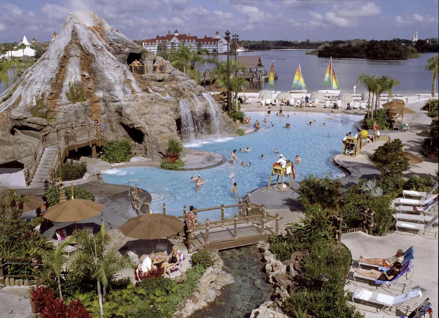 Disneys_Polynesian_Resort.jpg