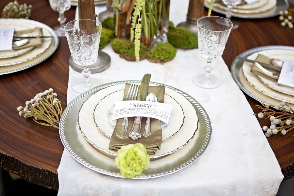 Classy Table Setting.jpg