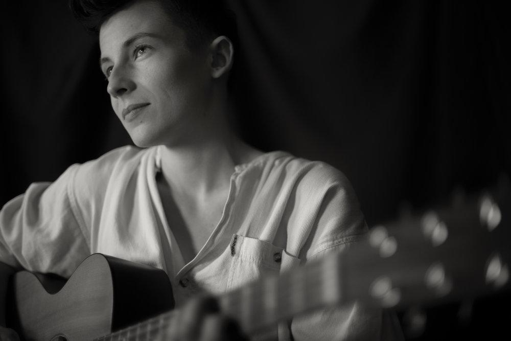 Rhiannon Scutt - singer-songwriter