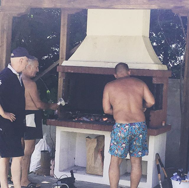 BBQing is serious business in Greece #spotthehairdryer 😂🇬🇷
