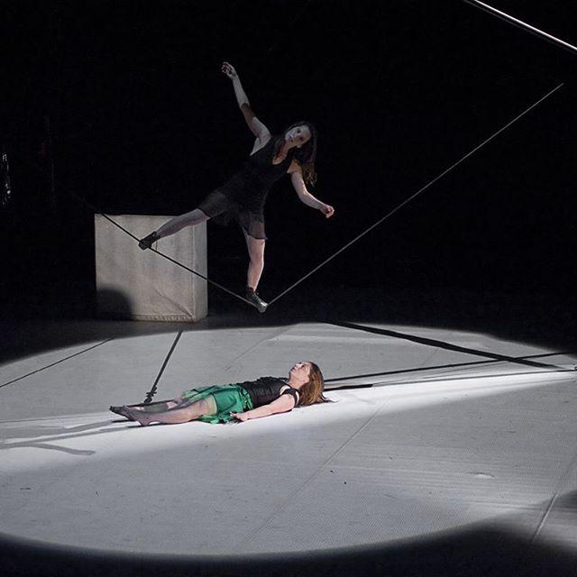 Trust and madness always in fragile  balance . Confianza y locura siempre en un frágil equilibrio #lovecircus. {Learning, beginning to lose}  #atempocirc  #circocontemporaneo  #creations  #slackrope  #cuerdafloja  #performance #cirque #circus  #circo #eleonoragimenez  #nataliadannunzio