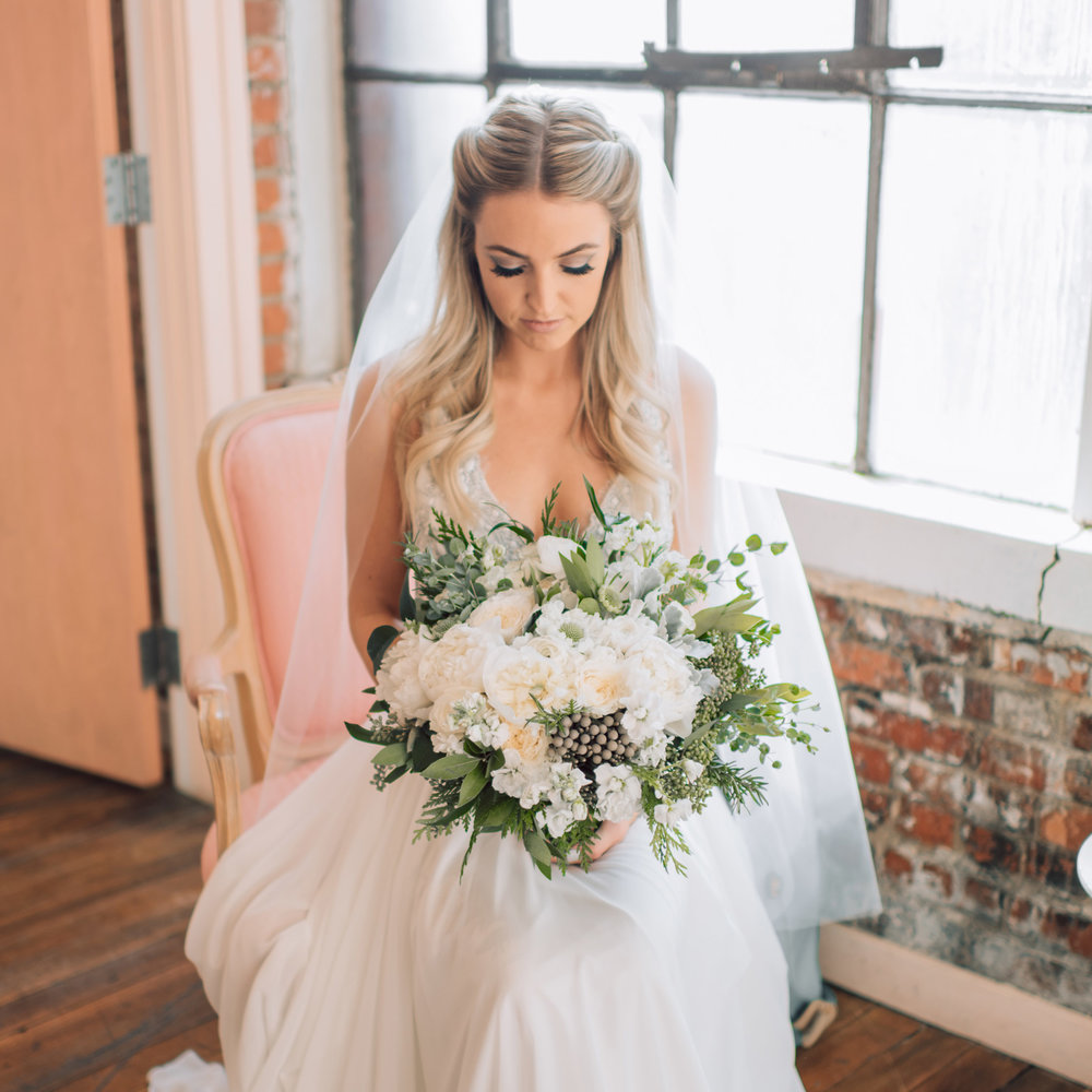 KnotsVilla Feature   Whimsical Greenery Wedding | Sara Rieth Photography