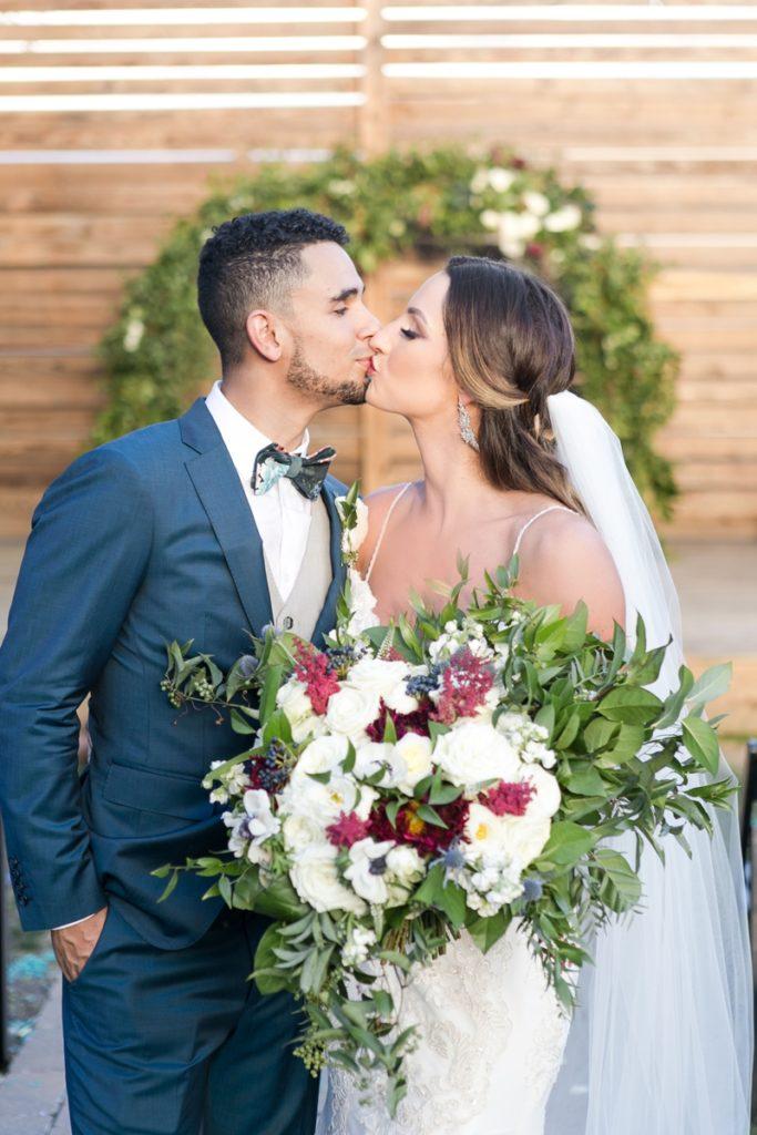2018Sept-TheGuild-KC-Wedding-JanaMarie-0119-683x1024.jpg