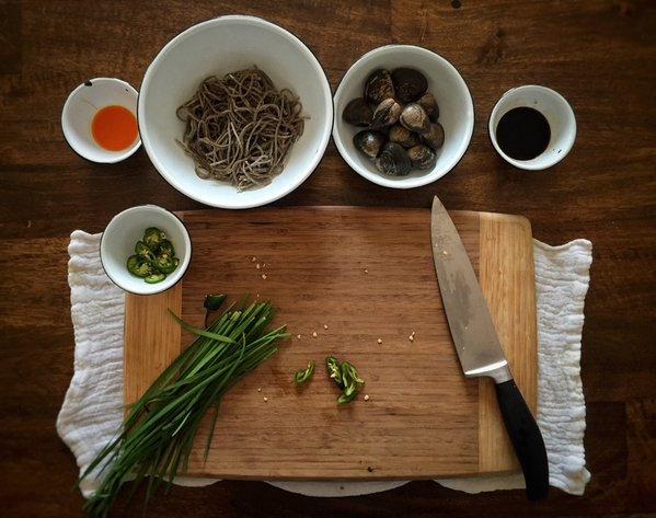 soba-almejas-noodles-receta-japones