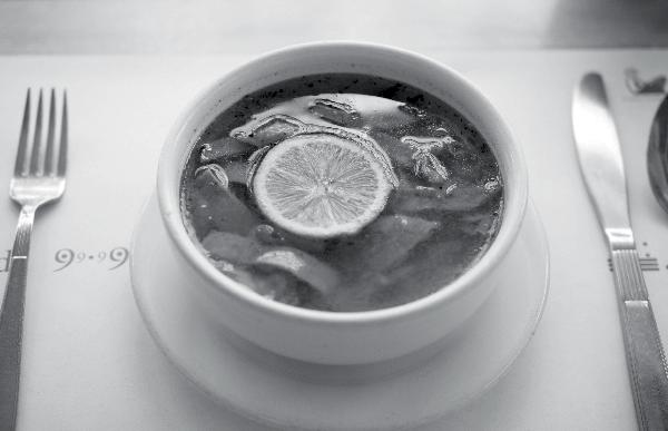 fonda-99.99-comida-yucateca-cdmx-sopa-de-lima