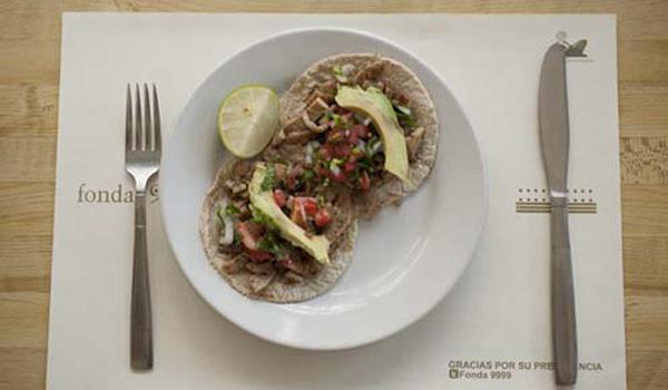 fonda-99.99-comida-yucateca-yucatan-tacos-de-lechón