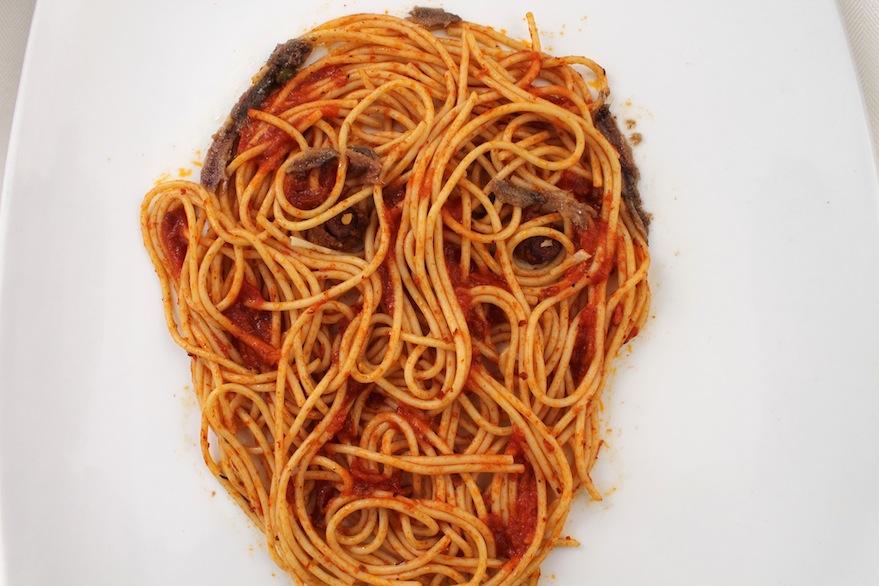 Putinesca (espagueti, salsa putanesca, anchoas, aceitunas, queso parmesano, 2014)