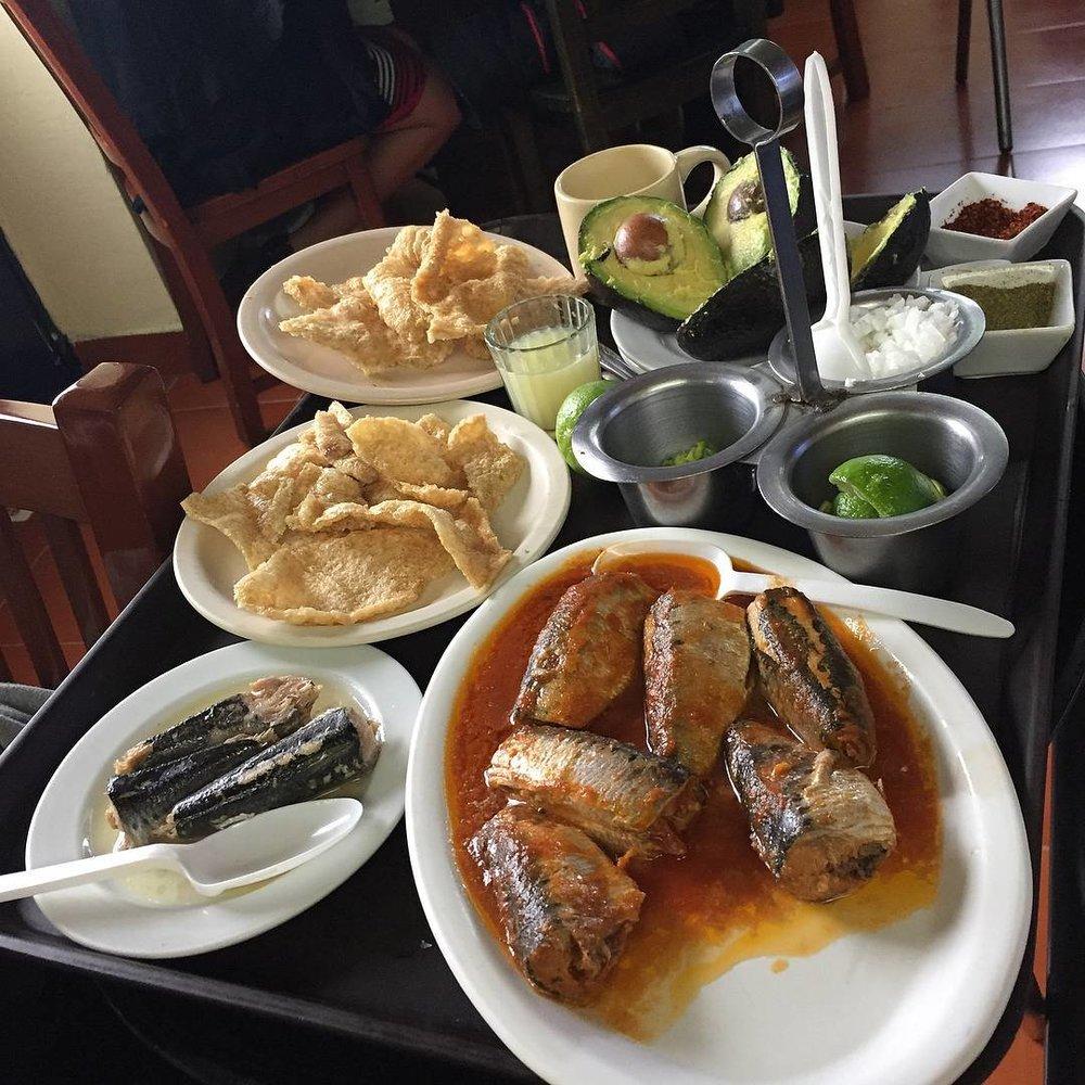 Pozole Moctezuma: los condimentos