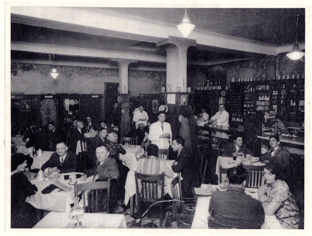 hojasanta_dossier 05-castaneda_restaurante de domingo 02.jpg