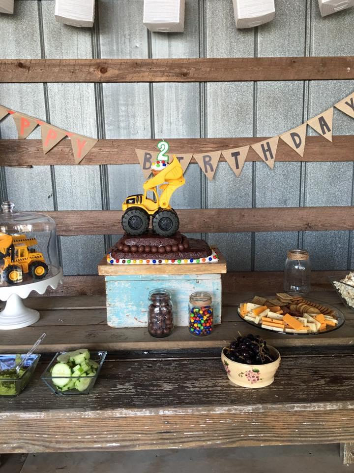 truck cake.jpg