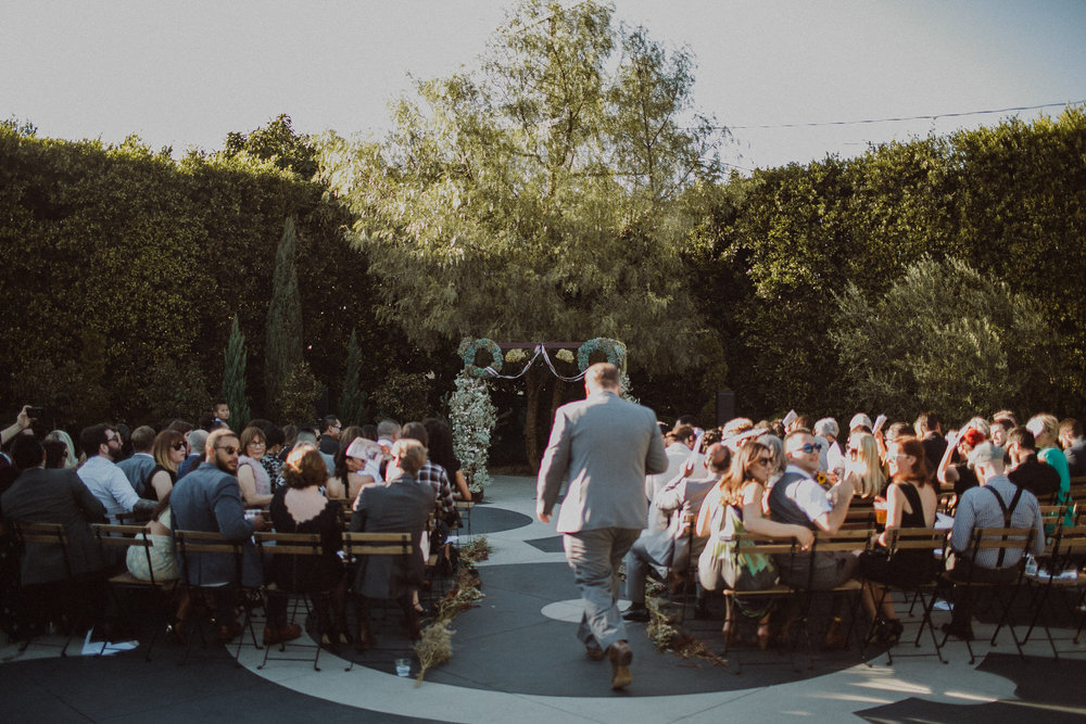 los angeles wedding ceremony at the fig house