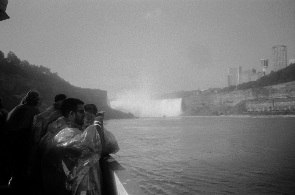 tour of niagara falls on the maiden of the mist