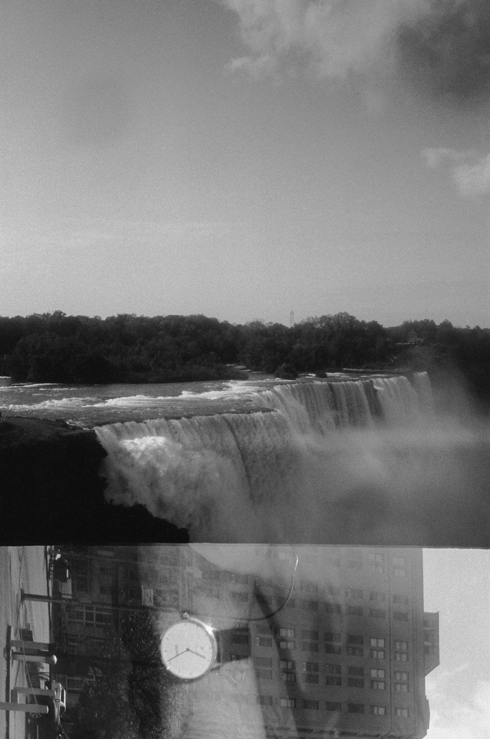 film happy surprise at niagara falls