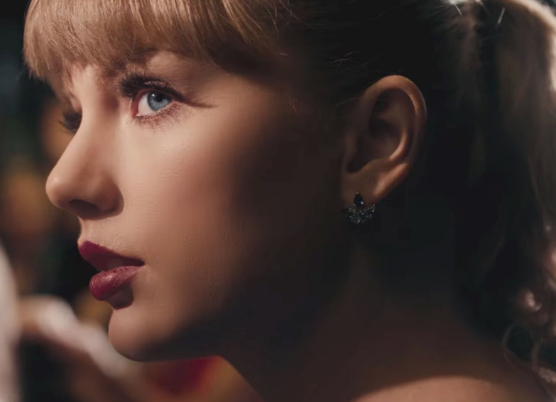 Music video by Taylor Swift performing Delicate. ©2018 Big Machine Label Group LLC