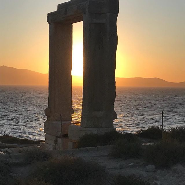 Sunset at Naxos #windsongtravel #tempoholidays #ilovegreece🇬🇷 #travelpicsdaily