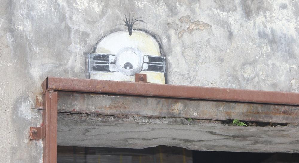 Peeping Minion