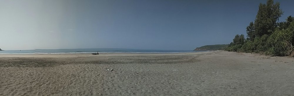 Panoramic view of Kolthare beach
