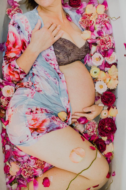 floral bath maternity shoot #lrqcfloral